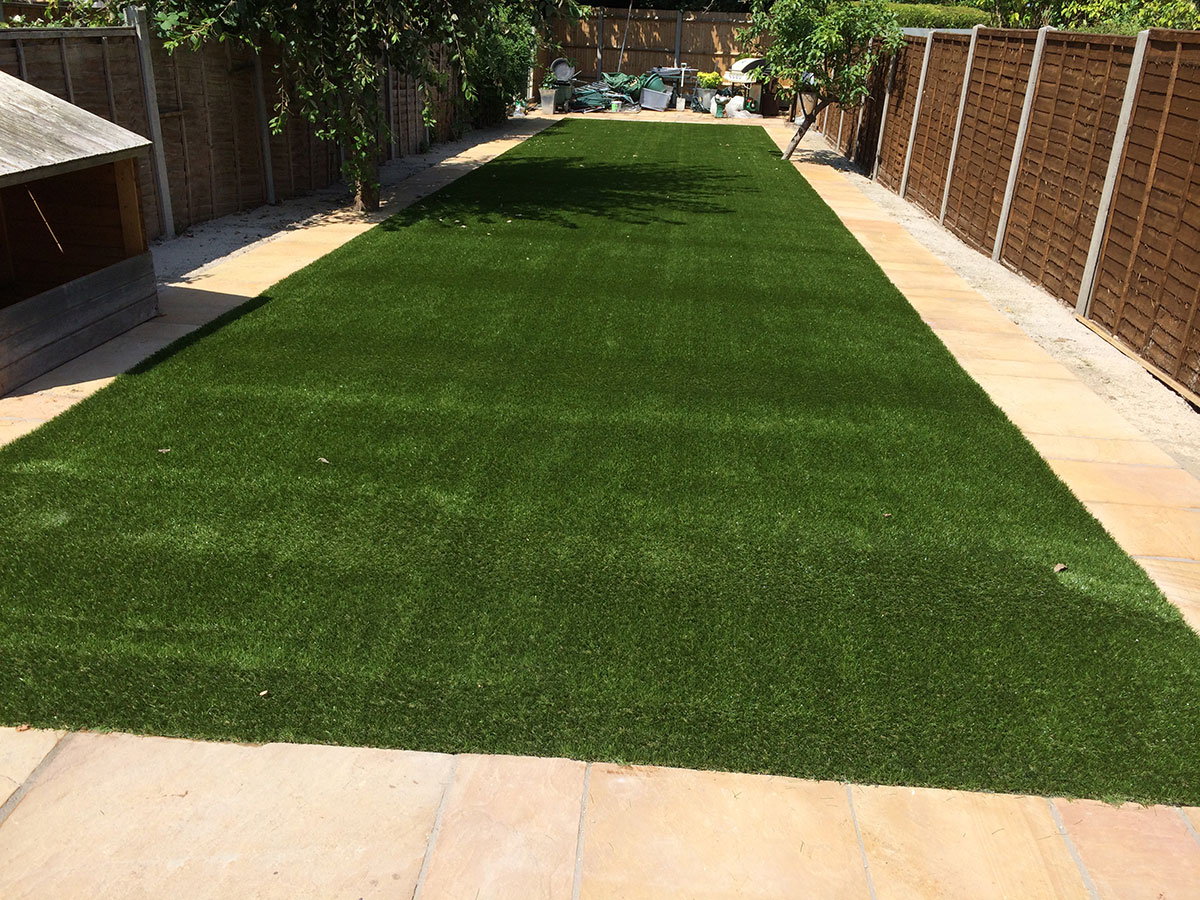 Artificial lawn for domestic properties